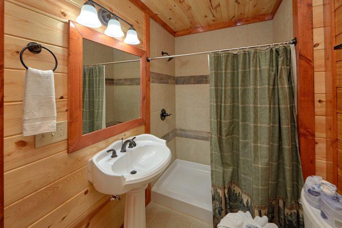 5 Bedroom and 5 Bathroom Pigeon Forge Cabin - Makin' Waves