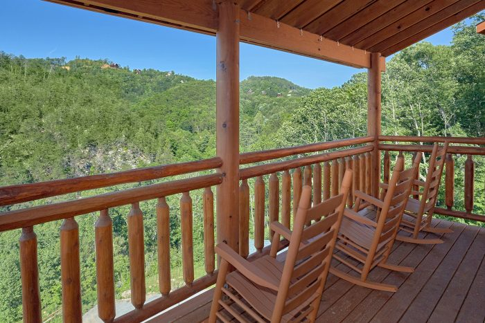 5 Bedroom Cabin with Rocking Chairs on the Decks - Makin' Waves