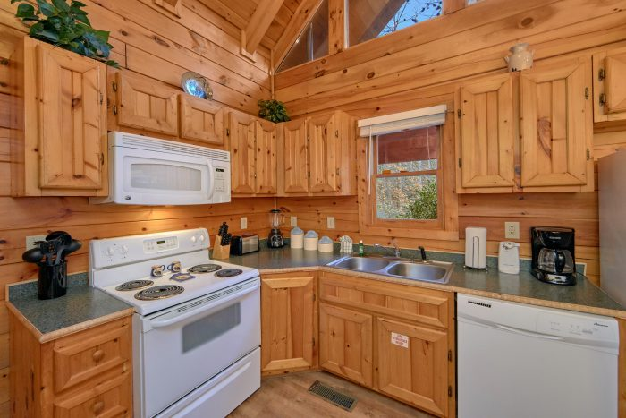 2 Bedroom Cabin Sleeps 8 Fully Equipped Kitchen - Making More Memories