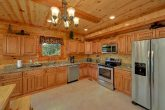 8 Bedroom Cabin with a Fully Stocked Kitchen