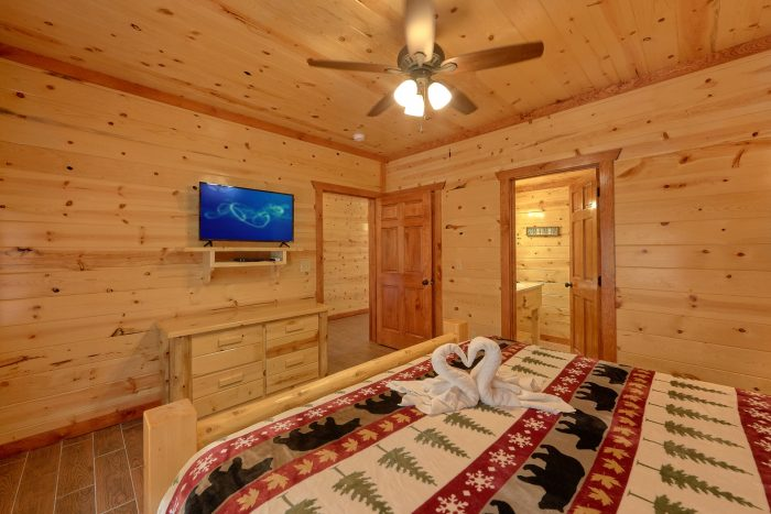 8 Bedroom Cabin with a TV in every room - Marco Polo