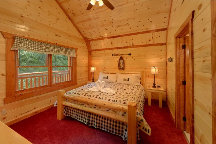 8 Bedroom Cabin with over-sized King Bedrooms - Marco Polo