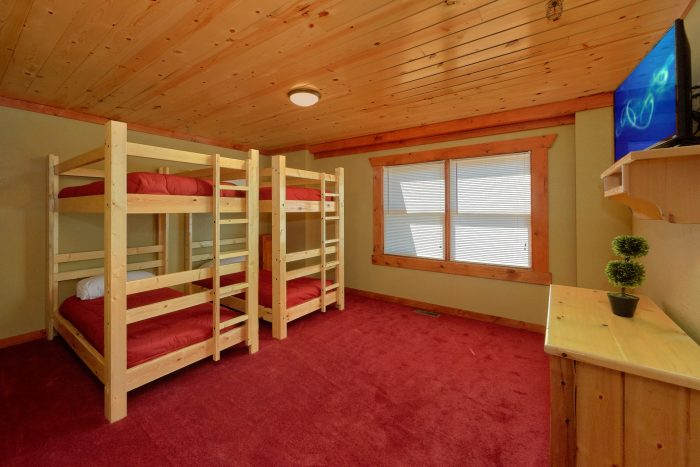 8 Bedroom Cabin with a Bunk Bed Room - Marco Polo