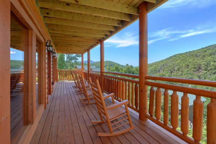 8 Bedroom Cabin with Rocking Chairs on the Decks - Marco Polo