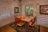 Rustic Cabin with a Dining Room for 4 guests