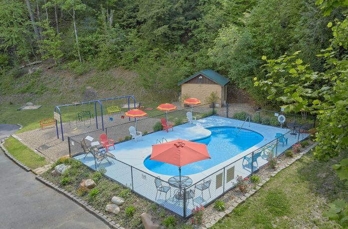 Cabin with Pool Access and Volleyball Court - Moonshine Inn