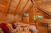 Cozy One Bedroom Cabin with Indoor Jacuzzi Tub
