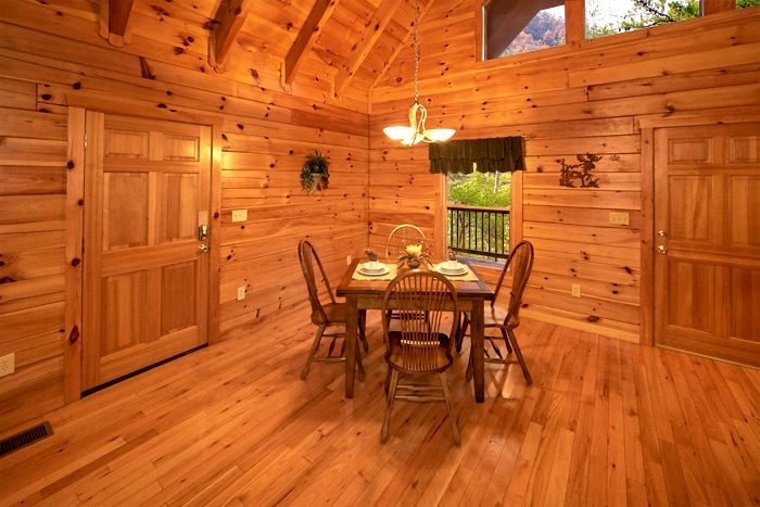 Honeymoon Cabin with Dining Area and View - Moose Tracks