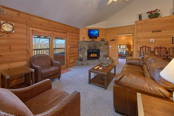 4 Bedroom Cabin in Pigeon Forge - Mountain Destiny