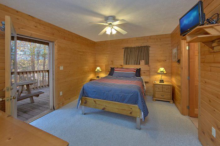 4 Bedroom cabin with 3 Queen Bedrooms - Mountain Fever