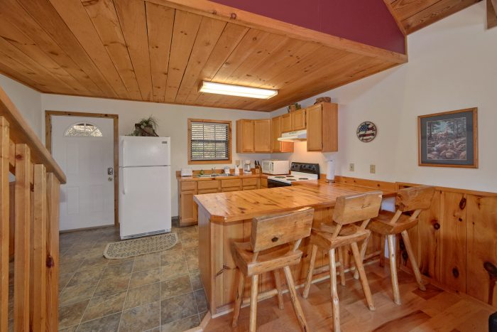 1 Bedroom 2 Bath Cabin Sleeps 6 - Mountain Hideaway