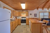 1 Bedroom 2 Bath Cabin Sleeps 6 Full Kitchen