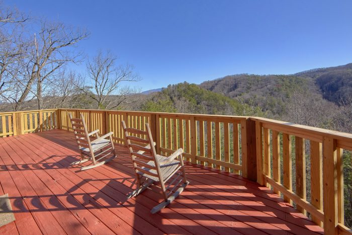 1 Bedroom Cabin Sleeps 6 with View - Mountain Hideaway