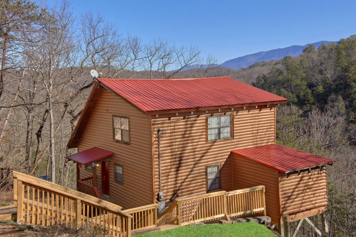 1 Bedroom 2 Bath 2 Story Cabin Sleeps 6 - Mountain Hideaway