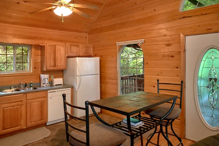 1 Bedroom Cabin with Dining Nook and Kitchen - Mountain Laurel