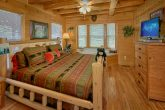 4 Bedroom Cabin with Private Master Bedroom