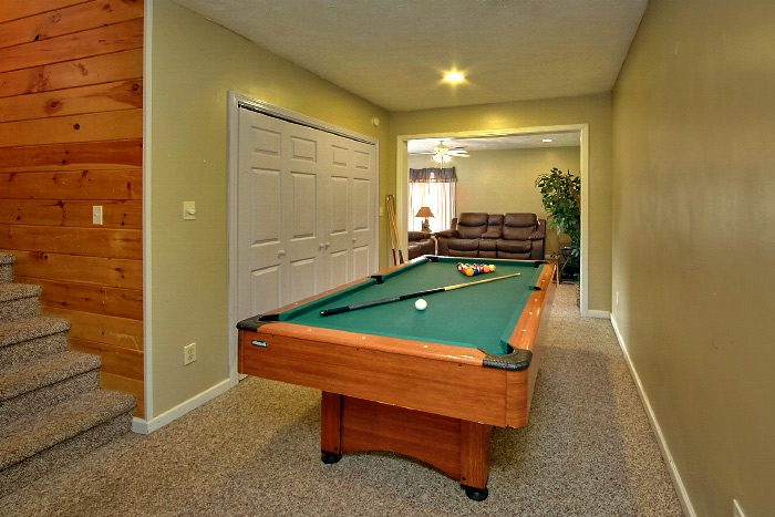 Wears Valley Cabin with Pool Table and Den - Mountain Majesty