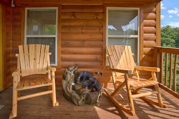 4 Bedroom Cabin with 3 Decks and Rocking Chairs - Mountain Majesty