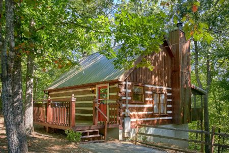 Kickin Back: 2 Bedroom Pigeon Forge Cabin Duplex Rental