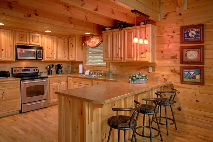 Luxury Honeymoon Cabin with Bar seating for 3 - Mountain Star