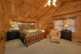 5 Bedroom Cabin Sleeps 11 Loft bedroom