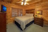 5 Bedroom Cabin Sleeps 11 in wears Valley