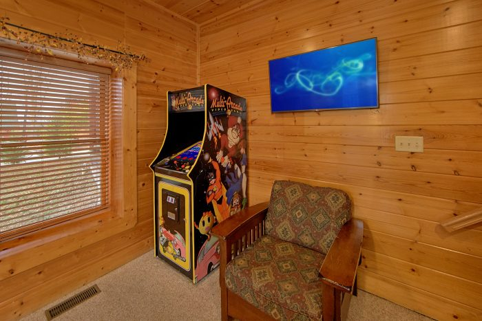 5 Bedroom Cabin with Arcade and Flat Screen TV' - Mountain Sunrise