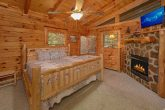 3 Bedroom Cabin with a King Bed on Main-Level