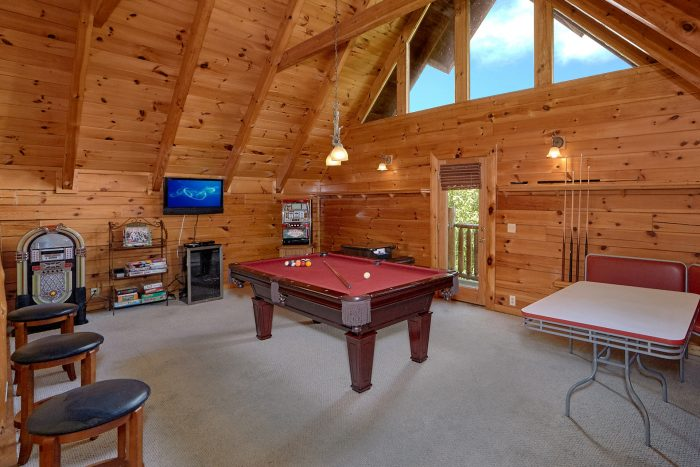 3 Bedroom Cabin with a Pool Table - Mountain Valley Dreams
