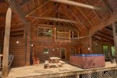 3 Bedroom Cabin with a Large Open Back Porch