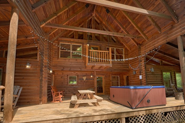3 Bedroom Cabin with a Large Open Back Porch - Mountain Valley Dreams