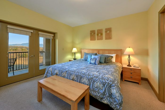 2 Bedroom Condo with a King Bed - Mountain View 2704