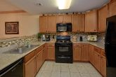 Spacious condo in PIgeon Forge with Full Kitchen