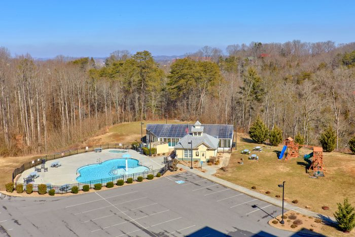 Pigeon Forge Condo with Pool and Playground - Mountain View 5305