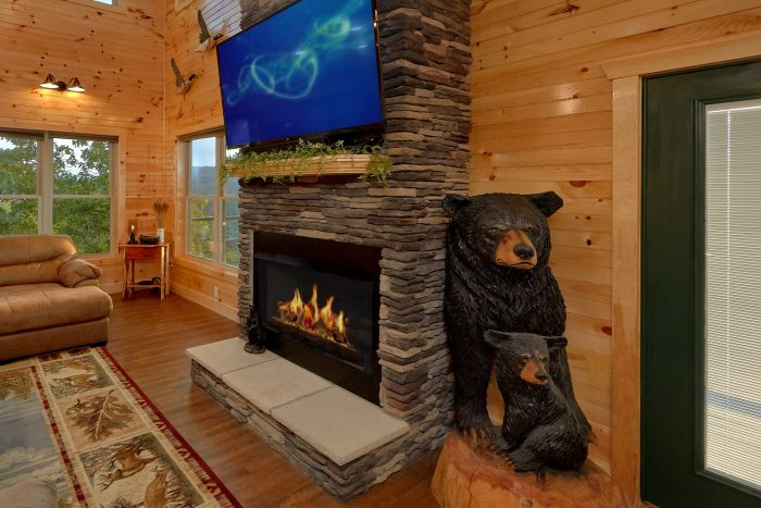 8 Bedroom Pool Cabin with a Fireplace - Mountain View Pool Lodge