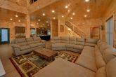 8 Bedroom Pool Cabin with an Open Floorplan