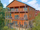8 Bedroom Pool Cabin in the Smoky Mountains