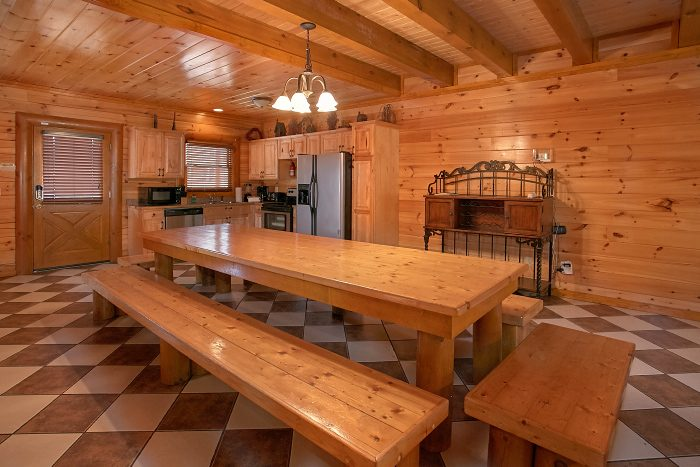 8 Bedroom Cabin Sleeps 24 Large Open Kitchen - Grand Theater Lodge