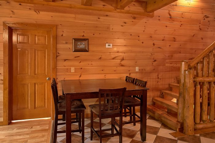 8 Bedroom Cabin Sleeps 24 with Extra Seating - Grand Theater Lodge