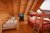 8 Bedroom Cabin Sleeps 24 with Extra Beds