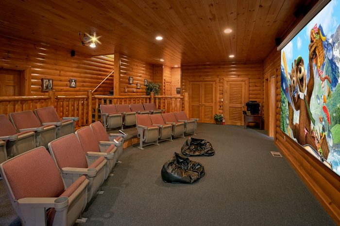 quotgrand theater lodgequot theater room cabin in pigeon forge