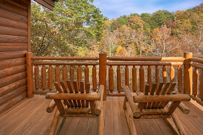 Black Bear Resort 8 Bedroom Cabin Sleeps 24 - Grand Theater Lodge
