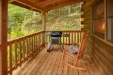 Secluded Cabin with grill and Hot Tub