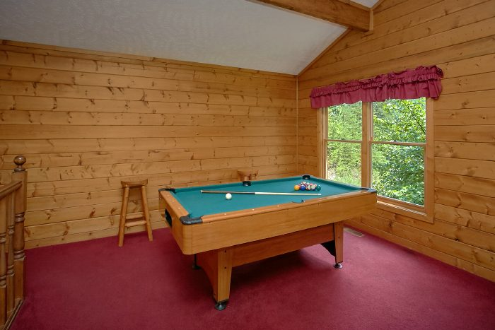 Rustic Cabin with Pool Table and Hot Tub - Mtn Memories- Kimbles