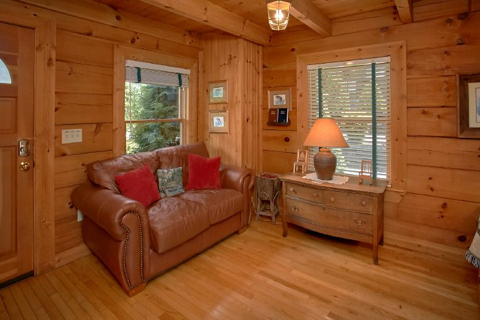Spacious 1 Bedroom Cabin with extra sitting area - Mountain Retreat Kimbles