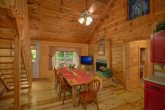 4 Bedroom Cabin with Spacious Dining Area