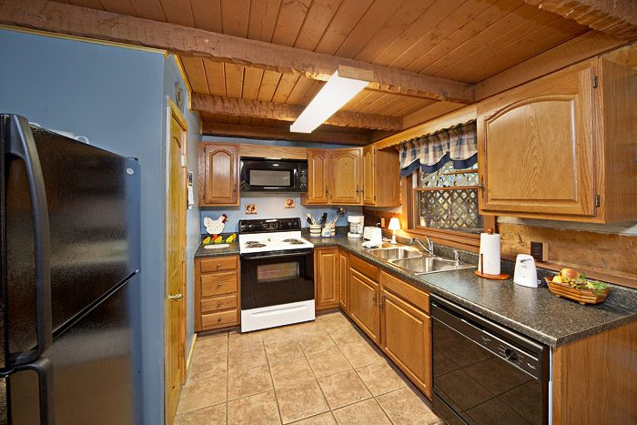 Cabin with Fully Furnished Kitchen - Natures Heart
