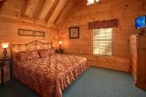 5 Bedroom Cabin with Private King Bedroom