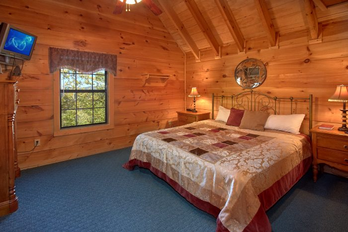 Cabin with 5 Private King Bedrooms - Natures Majesty