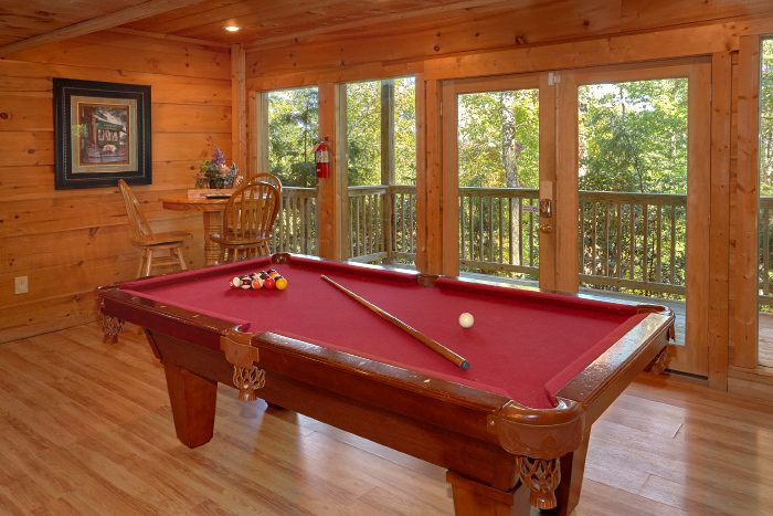 5 Bedroom Cabin with Pool Table and Game Room - Natures Majesty